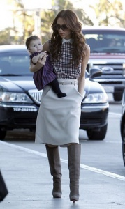 2011 Victoria and Harper at LAX airport