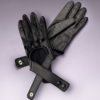 CROSS STRAP GLOVES