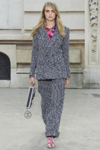 классический женский пиджак Chanel