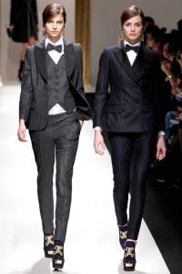 костюм с жилетом Moschino