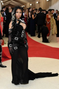 Nicki Minaj in Moschino