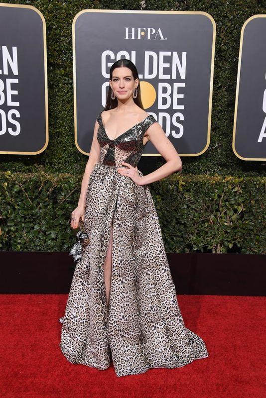 ce724f2ec8392a5 И ведь нельзя сказать, что платья плохие. Сами по себе платья потрясающие:  и красивые, и интересные, и дорогие.