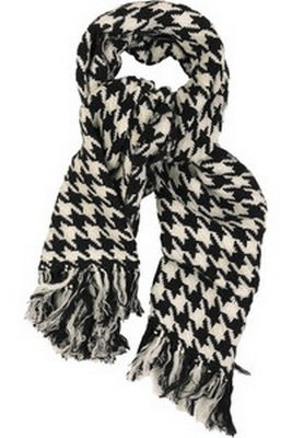 http://citylook.by/wp-content/uploads/2013/08/Alexander-McQueen-Houndstooth-Cashmere-Scarf.jpg