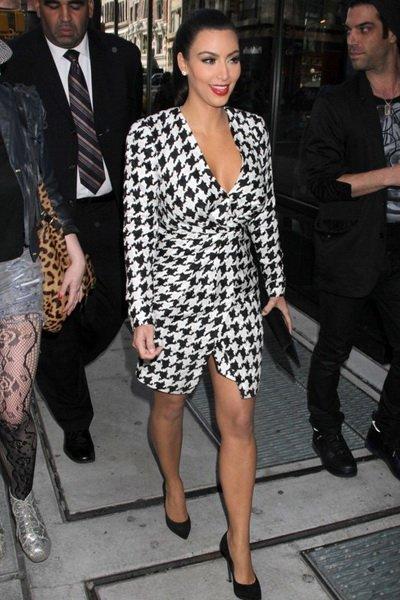 http://citylook.by/wp-content/uploads/2013/08/Kim-Kardashian.jpg