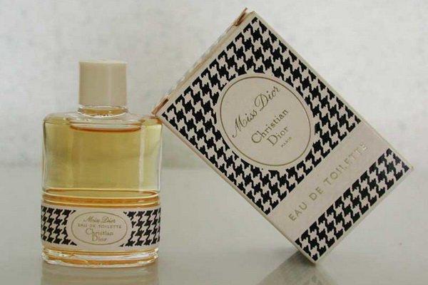 http://citylook.by/wp-content/uploads/2013/08/Miss-Dior-version-pied-de-poule.jpg